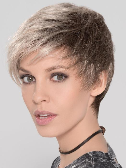 Short Straight Women's Blonde Synthetic Wig Basic Cap By Rooted